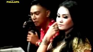 Download Lagu Deritamu Deritaku, Gerry Mahesa feat  Ani Arlitha, New Pallapa live in Pasar Banggi Gratis STAFABAND