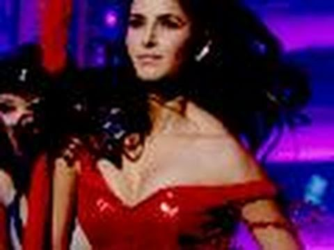 Katrina Kaif's Wardrobe Malfunction! Music Videos