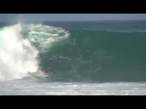 Riaru Ito (11year old grom surfer)Typhoon swell @ Japan