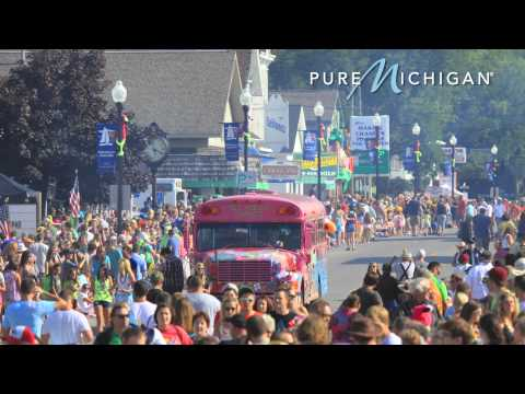 Cheeseburger in Caseville, MI Festival | Pure Michigan