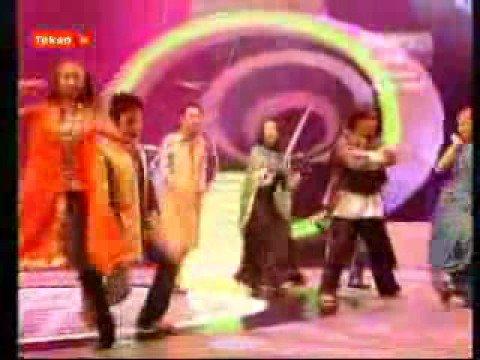 Ladki Badi Anjani Hai - Kuch Kuch Hota Hai video