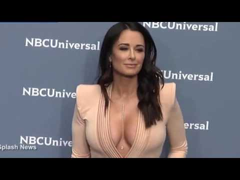 Kyle Richards of RHOBH shows off cleavage while on red carpet thumbnail