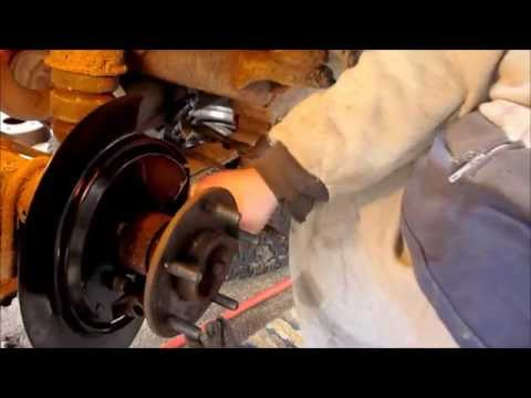 2000 Chevy S-10 Blazer. Full Disc Brake job. Rear Axle. Reassembly