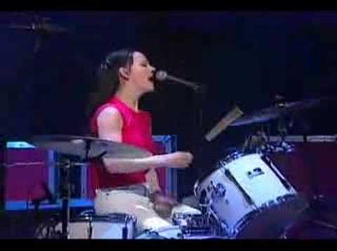 White Stripes - Fell In Love With A Girl Live