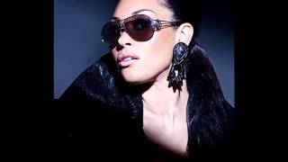 Watch Keke Wyatt Push Me Away video