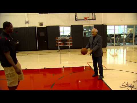 Peter Mansbridge goes shot-for-shot with the NBA's top draft pick Anthony Bennett.