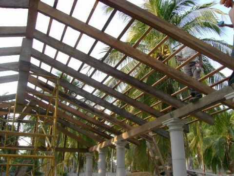 Construccion de palapas terrazas youtube for Como hacer un techo de madera
