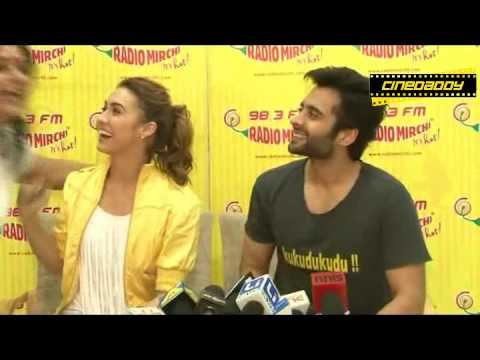 Jackky Bhagnani & Lauren Gottlieb Promote Welcome To Karachi Movie @ 98 3 Radio Mirchi !FULL