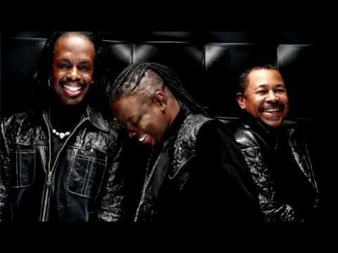 Earth Wind&Fire - Reasons(Plugged In And Live)
