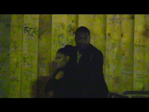 EXCLUSIVE: Nicki Minaj and boyfriend Meek Mill IN LOVE by the Eiffel Tower at Night in Paris