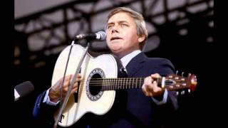 Watch Tom T. Hall Fox On The Run video