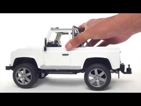 Bruder Land Rover Defender Pick Up #02591