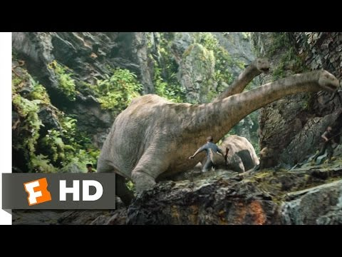 King Kong Movie Clip - watch all clips http://j.mp/AzOuOQ click to subscribe http://j.mp/sNDUs5 The crew gets caught between stampeding dinosaurs and hungry ...