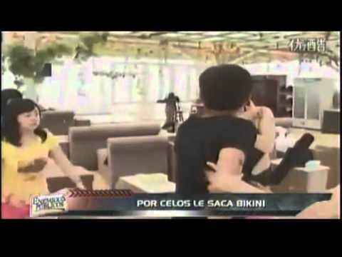 novio Enfurecido por los celos Desnuda a su pareja en programa en vivo