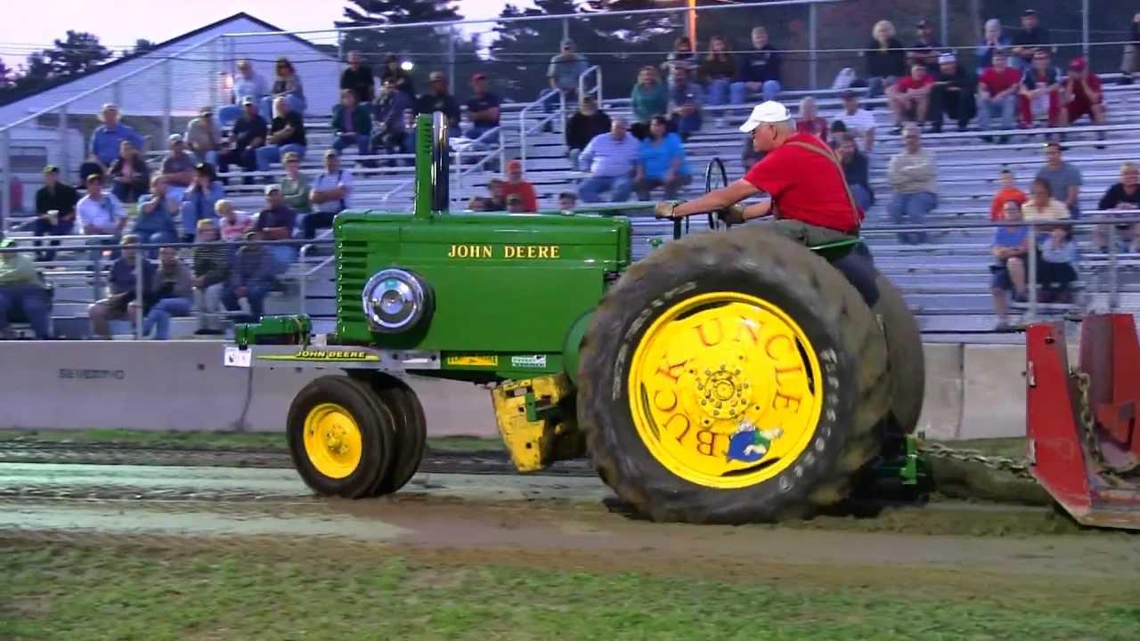 Antique John Deere Show Tractors : Uncle buck s john deere antique tractor pull deerfield
