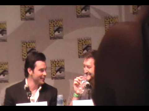 Smallville Comic Con w/ Tom Welling 2009 Part 1 Video