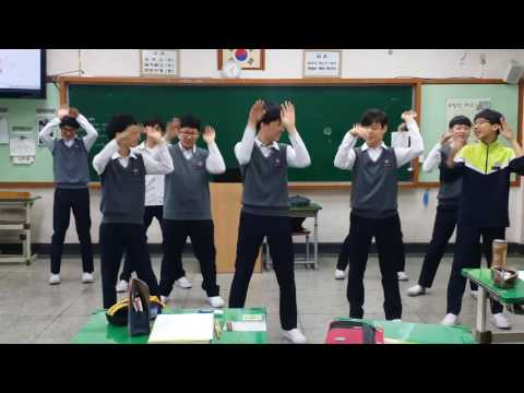 download lagu 대청중 2-8트와이스 TT 티티 gratis