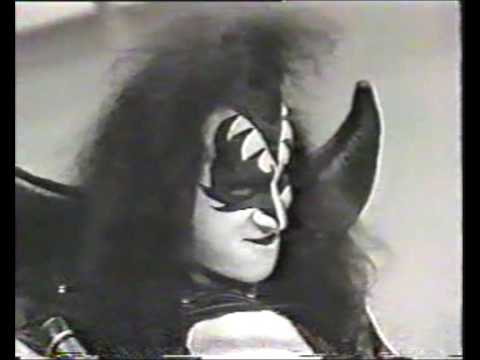 Gene Simmons - Everybody Knows