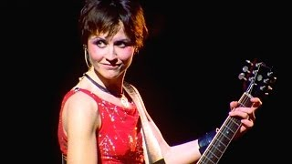 Download Lagu The Cranberries - Zombie 1999 Live Video Gratis STAFABAND