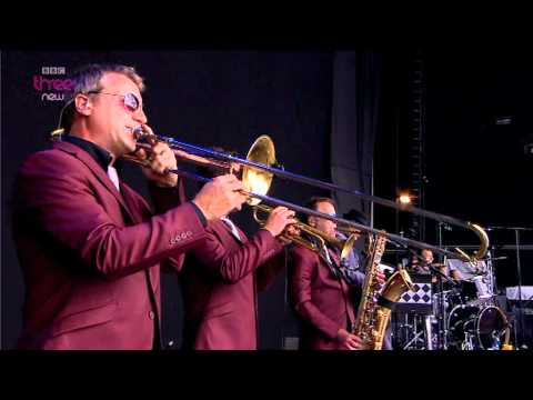 Madness - Madness - Reading Festival 2011.mpg