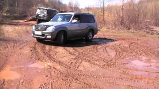 Hyundai Terracan - Cooper STT in Mud