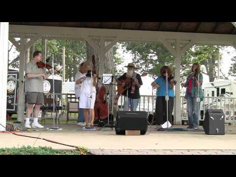 Pig Ankle Rag - Les Raber Tribute - Hillsdale Fiddler's Convention 2010 Video