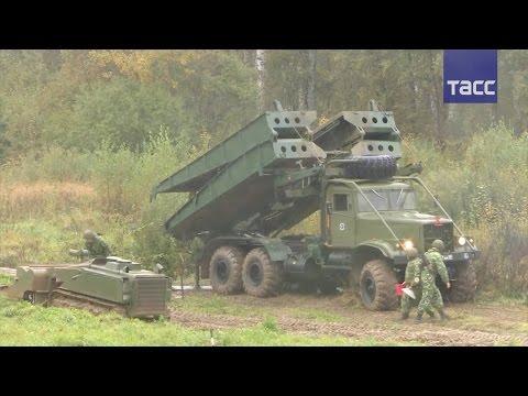 """Военные показали робота-сапера """"Уран-6"""" в действии"""