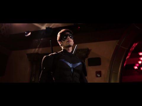 Batman: Nightwing Vs. Red Hood LATINO