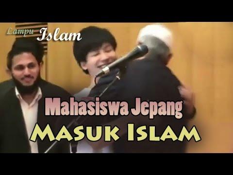 Mahasiswa Jepang Memeluk Dr. Zakir Naik Dan Masuk Islam