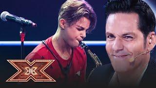 Download lagu Un mic star pop rock pe scena X Factor! Denis Costea cântă piesa Cruisin' for a Bruisin