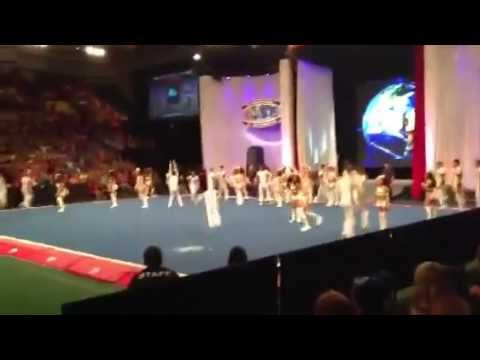 Top Gun Large Coed 2013 Worlds DAY 1