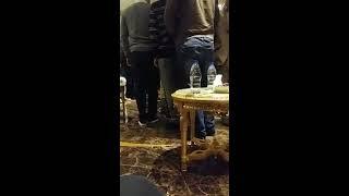 فيديو.. أبو تريكة يتلقي عزاء والده في الدوحة