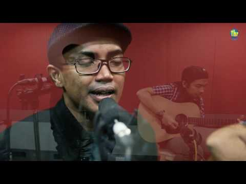 download lagu Ezad Lazim - Mengintai Dari Tirai Kamar gratis