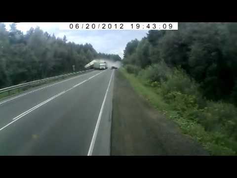 Фура без тормозов на трассе Урал