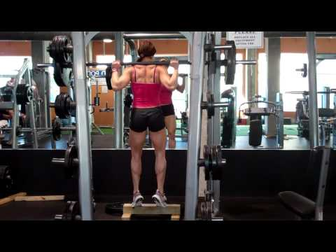 Erin Stern does calf raise on smith machine Image 1