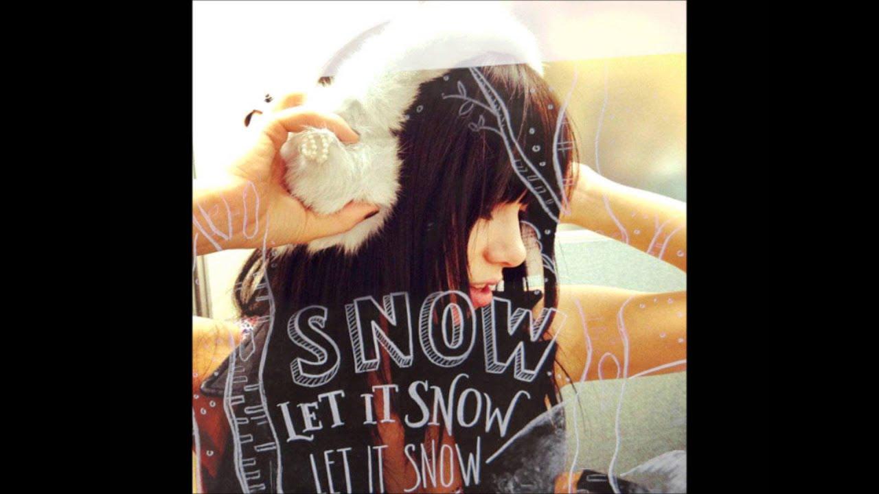 Carly Rae Jepsen - Let It Snow - YouTube