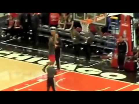 Chicago Bulls Derrick Rose Dunk Before Brooklyn Nets Game