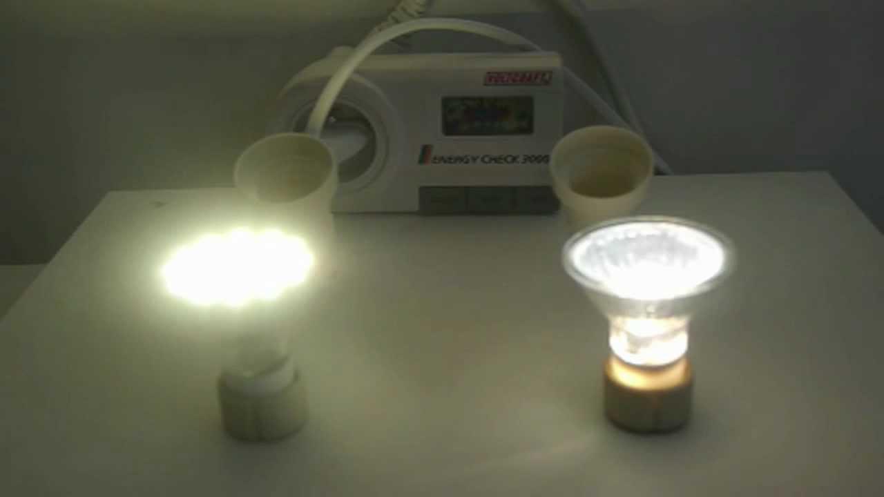 comparatif entre deux ampoules gu10 halog ne et led youtube. Black Bedroom Furniture Sets. Home Design Ideas