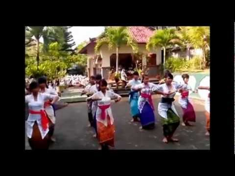media tari pendet saraswati mp3