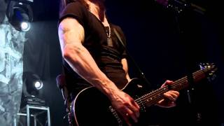 Клип Alter Bridge - Isolation