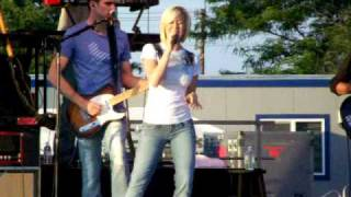 Watch Kellie Pickler One Of The Guys video