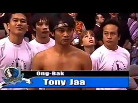 Ong-bak-tony-jaa-demostracion-en-usa[savevid] video