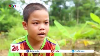 Ước mơ trở thành bác sĩ của 2 cha con | VTV24