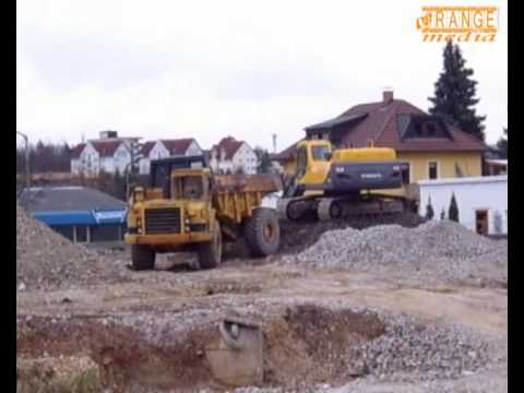 Volvo Excavator EC 360 Bagger in action