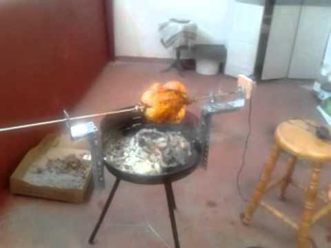 Asador de pollos giratorio casero para barbacoa video 1 for Horno para cuchillos