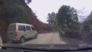Landslide Escape: Quick thinking driver avoids disaster in southern China