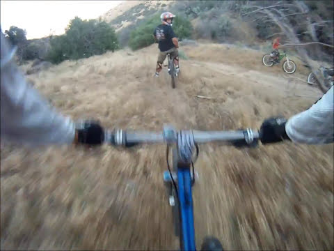 Riding a Giant Trance X3 Singletrack