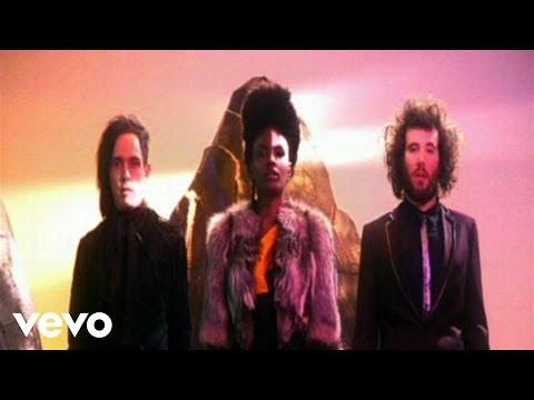 Noisettes - Don't Upset The Rhythm (Go Baby Go)