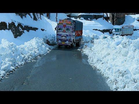Heavy snowfall in Simla , Himachal Pradesh