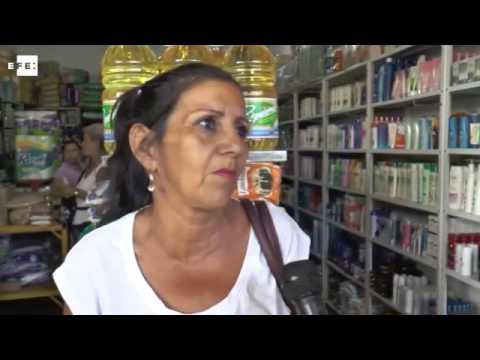 Miles de venezolanos pasan la frontera con Colombia para abastecerse de alimentos